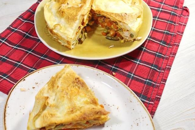Быстрый пирог из лаваша. Очень вкусный, быстрый пирог из лаваша, куриной грудки и овощей., пирог, мясной пирог, на скорую руку
